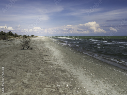 poster menschenleerer strand am schwarzen meer rum nien posters. Black Bedroom Furniture Sets. Home Design Ideas