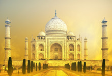Fotobehang - World wonder indian palace Taj Mahal in India
